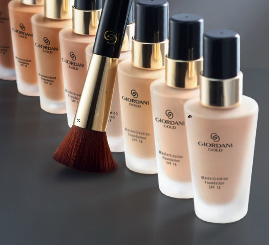 Giordani Gold MasterCreation Foundation SPF 18